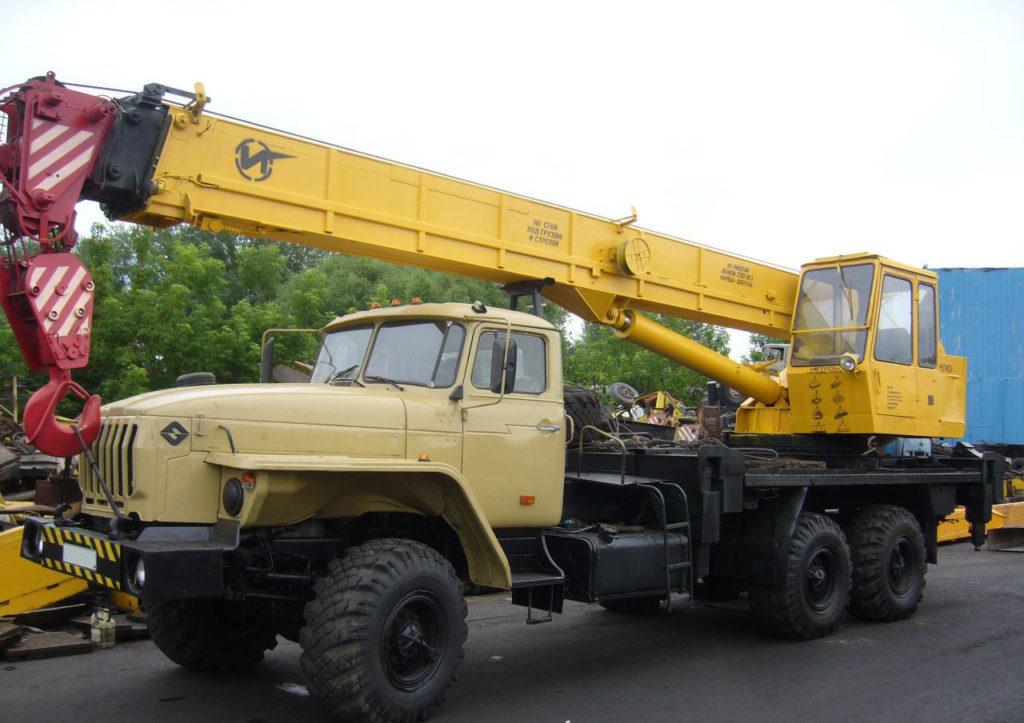 Автокран Ивановец на шасси Урал 25 тонн
