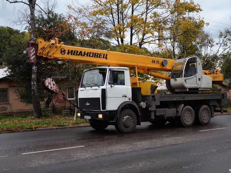Автокран МАЗ Ивановец 25 тонн