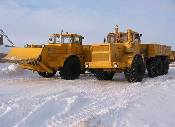 «Кировец» К-700 модификации