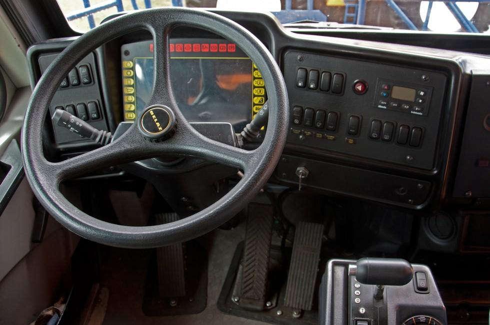 БелАЗ-75710 кабина место водителя