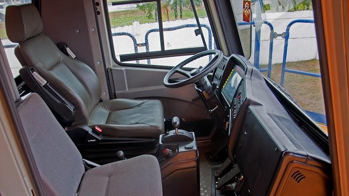 БелАЗ-75710 кабина внутри