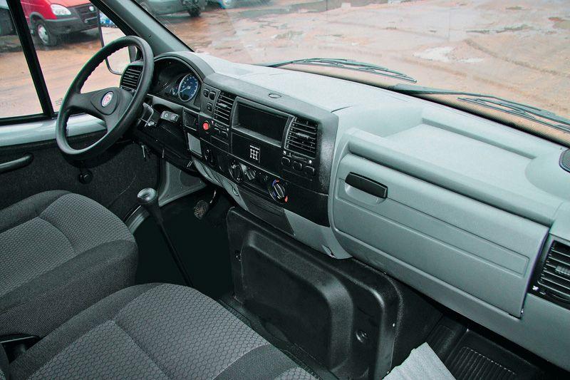 ГАЗ-33106 кабина внутри