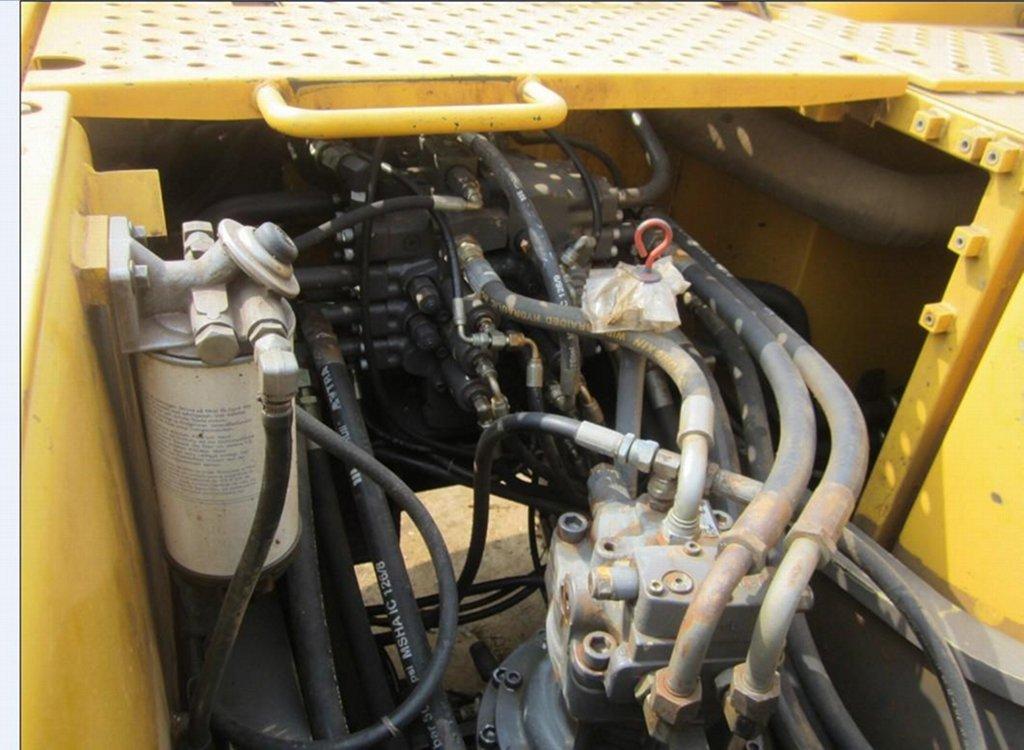 Гусеничный экскаватор Volvo 210 гидравлическая система