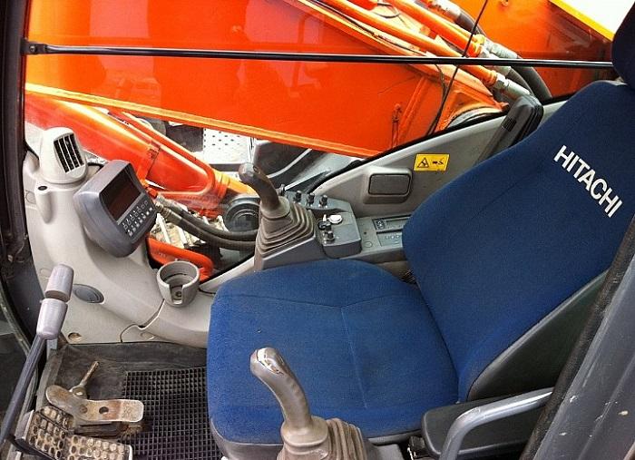 Экскаватор Hitachi ZX 330 кабина