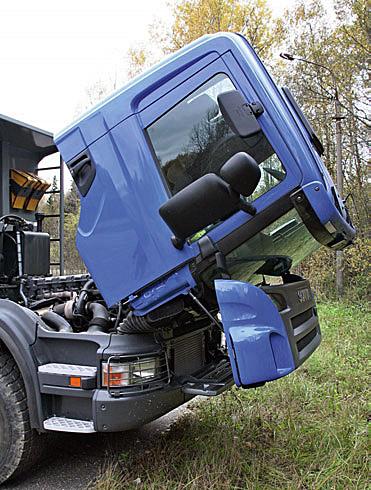 Scania P380 кабина
