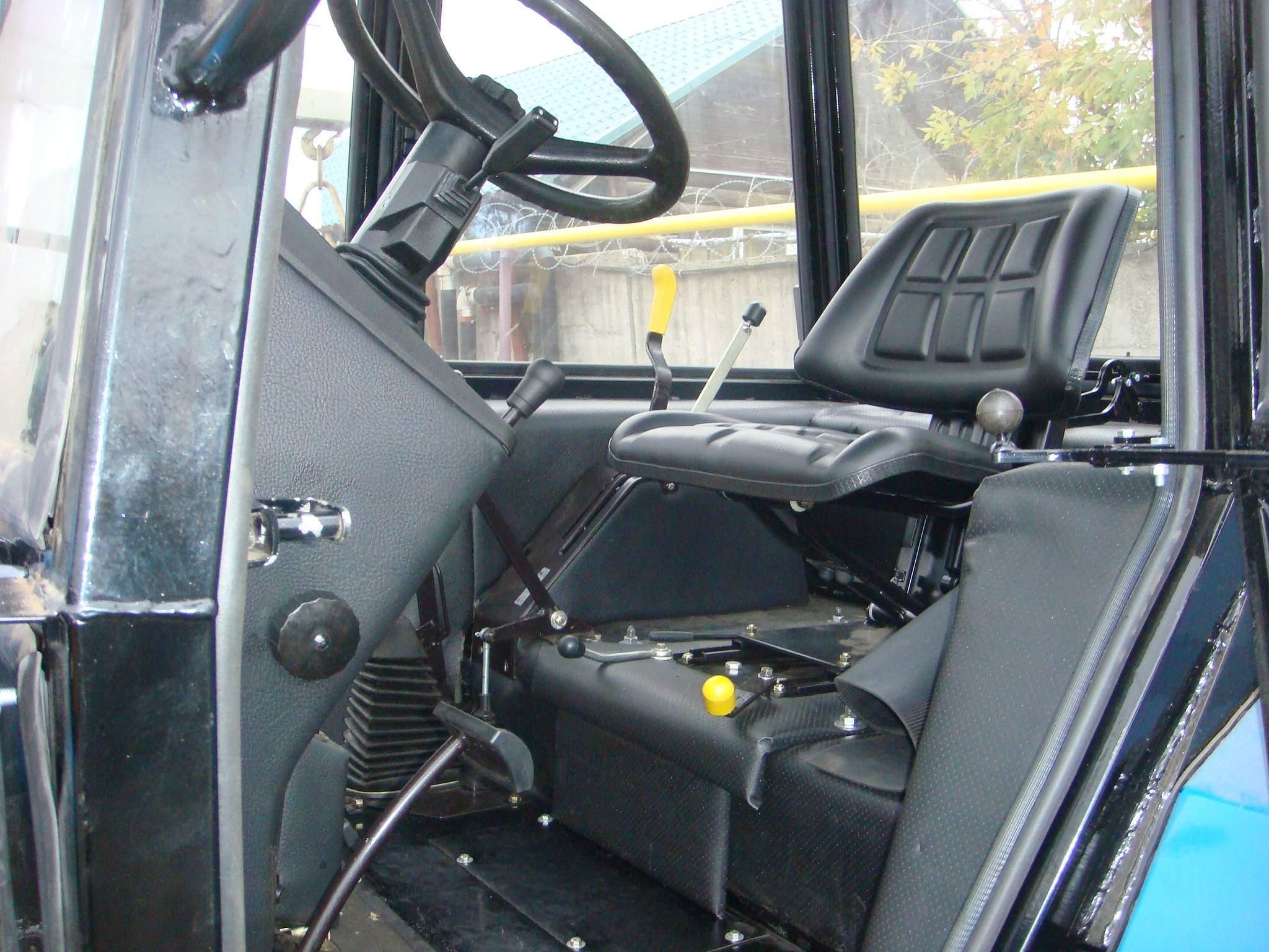 МТЗ-82 кабина