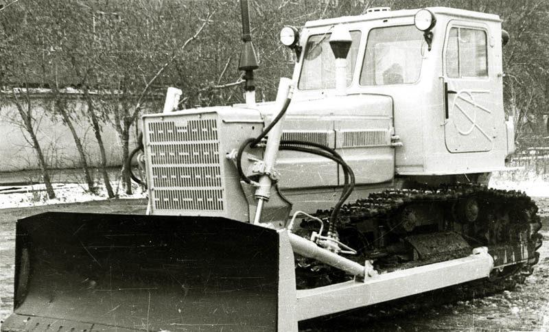 Трактор ДЗ-101
