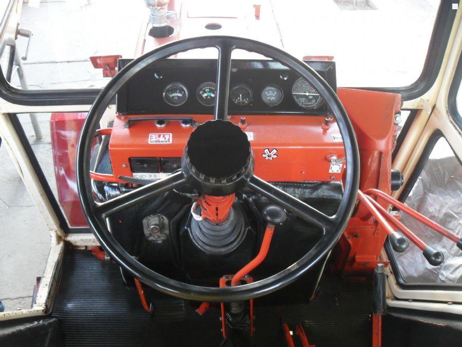ВТЗ-2048 кабина