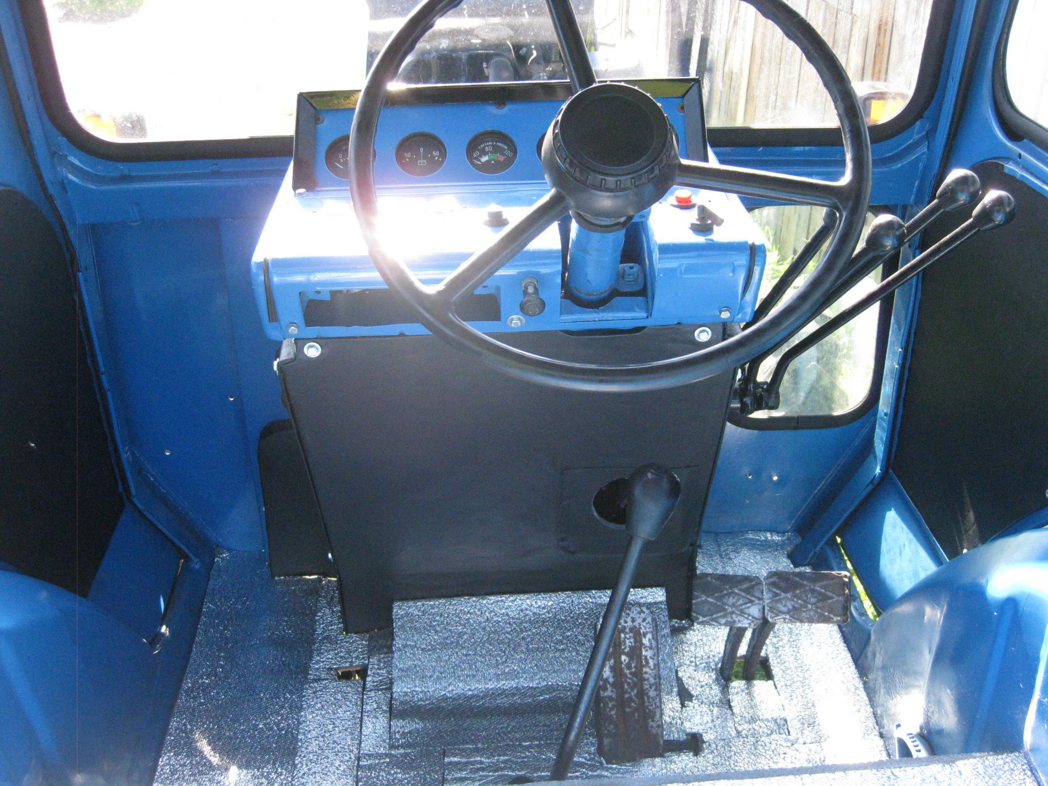 МТЗ-52 кабина