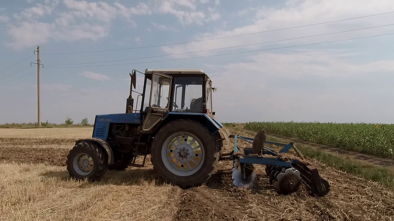МТЗ-892 в поле