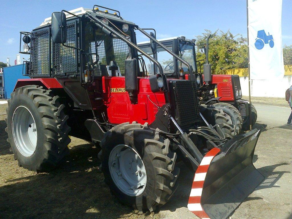 МТЗ-920 с навесным оборудованием