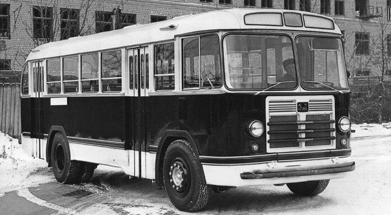 На фото: ЗиЛ-158 ЛиАЗ 677, автобуз, лиаз