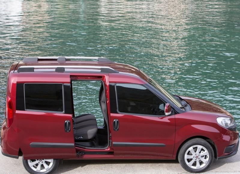 Вид сбоку Fiat Doblo