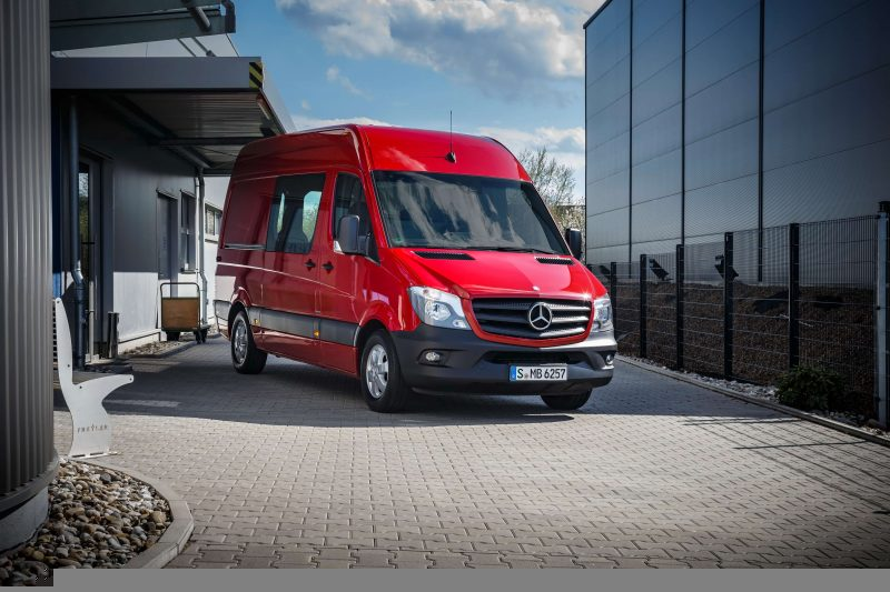 Авто Mercedes-Benz Sprinter 2015 года