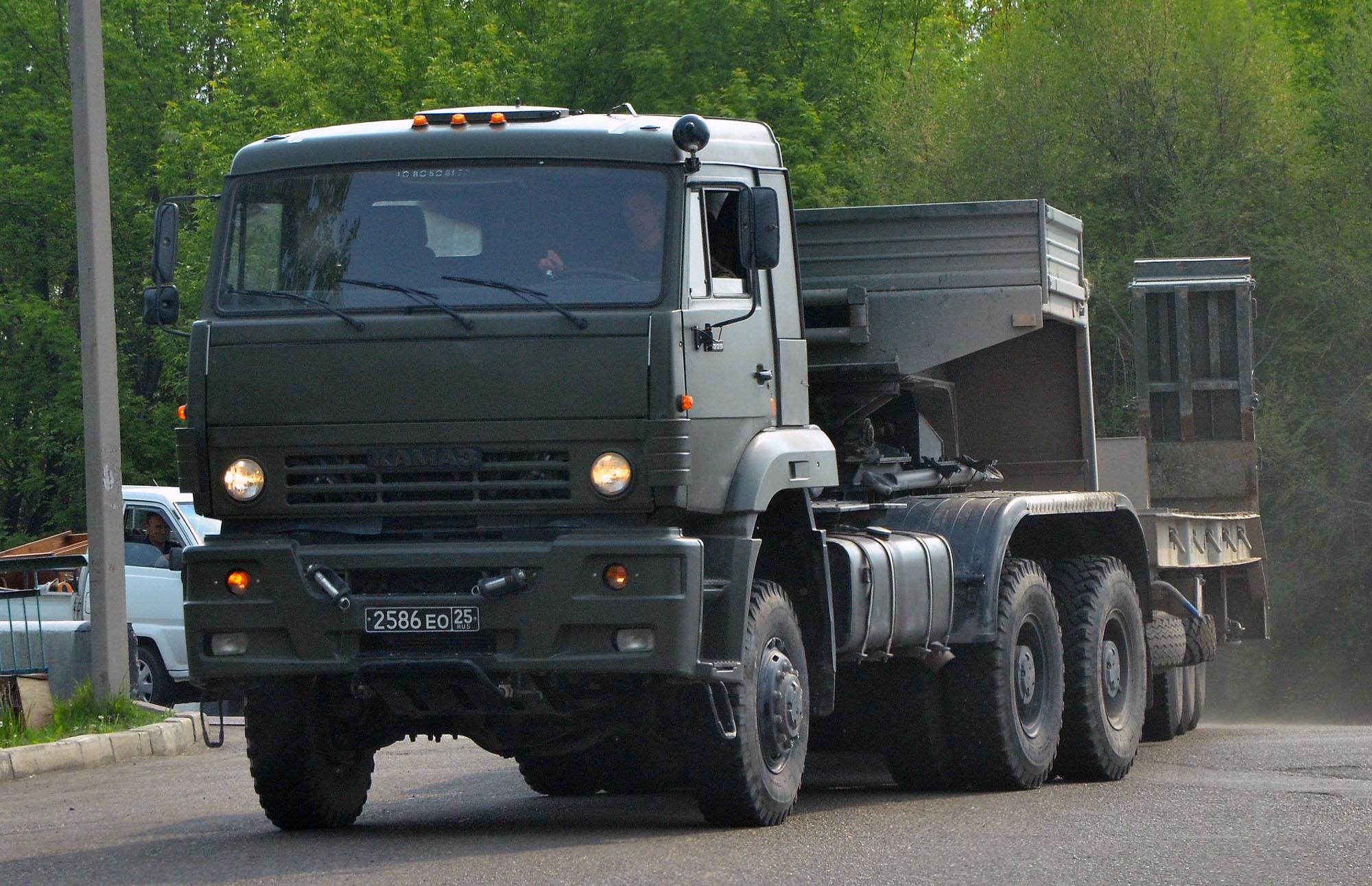 Военный КамАЗ-65225