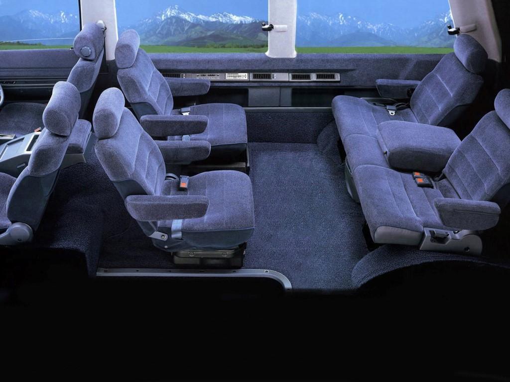 Микроавтобус для восьми пассажиров