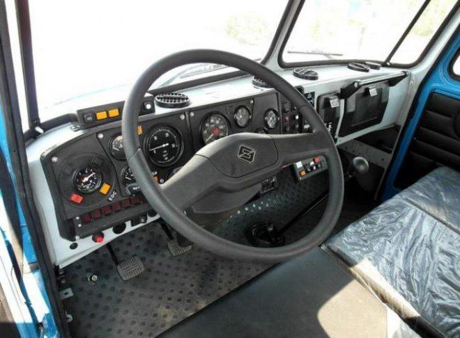 Урал-43206 кабина