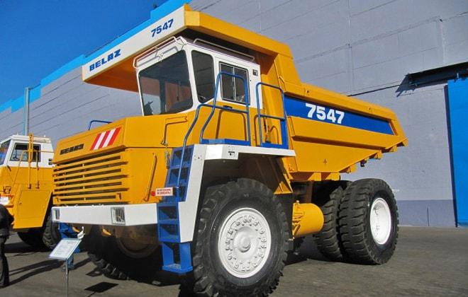 БелАЗ-7547 технические характеристики и габаритные размеры, расход топлива