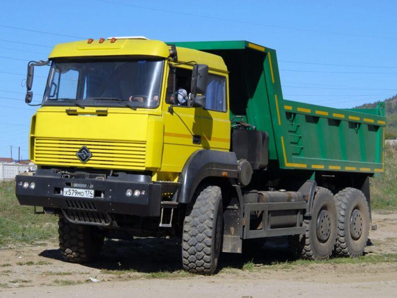 Урал-6370 вид спереди